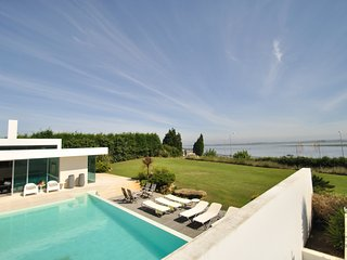 Luxury Waterfront Holiday Villa only 40 minutes Porto and near Aveiro Portugal - Torreira vacation rentals