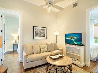 Luxury 2 Bedroom with Full Kitchen - Sleeps 4 - Walk to the Beach & Nightlife - Key West vacation rentals
