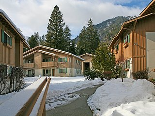 2 bedroom Condo with Television in Leavenworth - Leavenworth vacation rentals