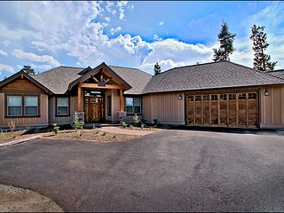 Affordable Luxury in Caldera Springs! Ski Season Special: 4th Night Free!! - Sunriver vacation rentals