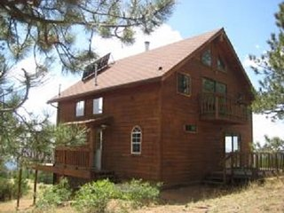 The Views Are Spectacular! 180 Degrees of Mountain Seclusion! Near Cripple Creek - Cripple Creek vacation rentals
