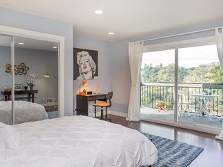 Eat, Sleep, Relax! Tranquil, Private 2-Bedroom Hilltop Retreat - Los Angeles vacation rentals