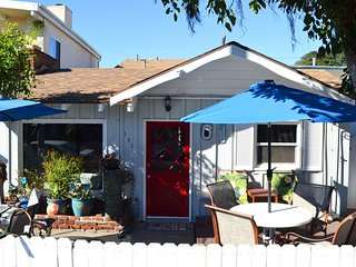 Beach Retreat 30 Seconds to Beach/Dining  WiFi/Bikes/Garage/Washer  Two Patios! - Newport Beach vacation rentals