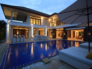 Hua Hin Luxury Sea View Mansion - Hua Hin vacation rentals