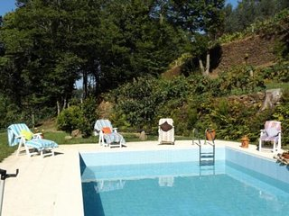 Comfortable 4 bedroom House in Arouca with Shared Outdoor Pool - Arouca vacation rentals