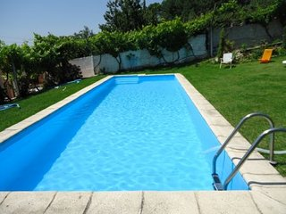 Beautiful Provesende vacation House with Shared Outdoor Pool - Provesende vacation rentals
