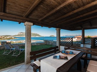 Apartment with garden, seaview, complex with pool - Golfo Aranci vacation rentals