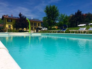 Monolocale vista piscina Vergne Barolo La Morra - Barolo vacation rentals