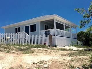 Pineapple Blues Cottage - A Great Bang for your Buck - Rainbow Bay vacation rentals