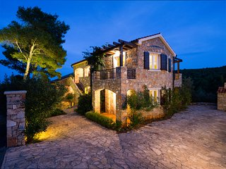 Villa Rosa Hvar- Luxury Apartment Rosemary with the pool - Hvar vacation rentals