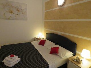 Comfortable 1 bedroom Apartment in Riccione with Washing Machine - Riccione vacation rentals