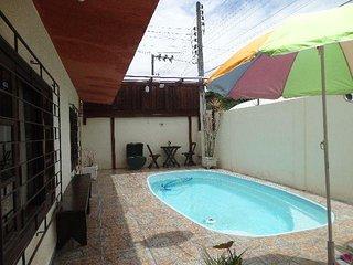 Parte térrea de um sobrado - Com piscina - Local seguro e tranquilo! - Itapema vacation rentals