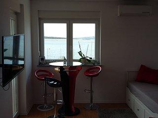 Beautiful 1 bedroom Condo in Povljana with Internet Access - Povljana vacation rentals