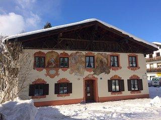 """""""Himmelblau""""-Ihr sonniges Apartment mit Bergblick - Oberammergau vacation rentals"""