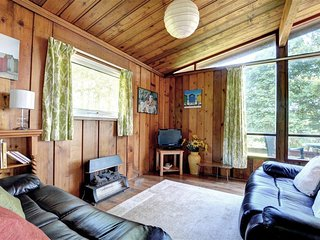 Lovely Cottage with Internet Access and Television - Druidston vacation rentals