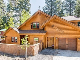 Spacious Family Friendly Cabin, Lakeview, Walk to Beach, Creekside Spa - Kings Beach vacation rentals