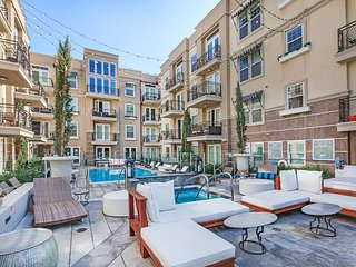 STUNNING 2BD IN HEART OF HOLLYWOOD - West Hollywood vacation rentals