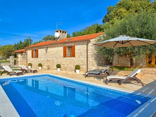 Casa Maria - Charming Countryside Property - Kastel vacation rentals