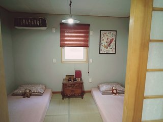 Close to Incheon Airport. Free Ride. Free Breakfast. - Incheon vacation rentals