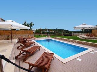 7 bedroom Villa with Internet Access in Pula - Pula vacation rentals