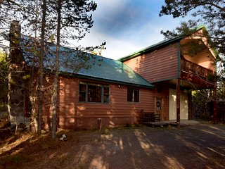 Large 5 Bed W/loft, 4 Bath Cabin Near Yellowstone National Park! Sleeps 20 - Island Park vacation rentals