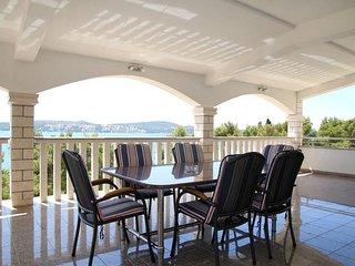 Comfortable 3BR 2Bath app Seget Donji,  Trogir - Seget Donji-Vranjic vacation rentals