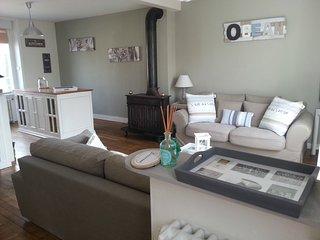 Breton cottage near Dinan-Saint malo-Mont Saint Michel - Pleudihen-sur-Rance vacation rentals