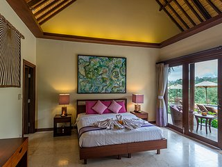 Heaven in Bali - Pink Orchid Room - Payangan vacation rentals