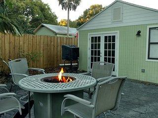 Fun Cottage In Historic District - Southside vacation rentals