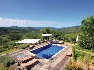 2 bedroom Villa in Motovun, Istria, Croatia : ref 2044462 - Livade vacation rentals