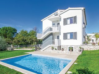 2 bedroom Apartment in Novigrad, Istria, Croatia : ref 2046901 - Fiorini vacation rentals