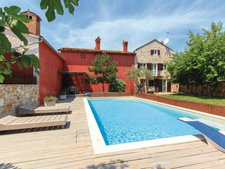 4 bedroom Villa in Pula, Istria, Croatia : ref 2046960 - Liznjan vacation rentals