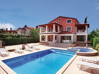 4 bedroom Villa in Umag, Istria, Croatia : ref 2047060 - Kastel vacation rentals