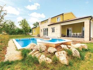 5 bedroom Villa in Zminj, Istria, Croatia : ref 2088070 - Foli vacation rentals