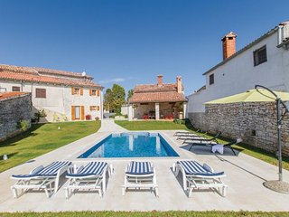 5 bedroom Villa in Svetvincenat, Istria, Croatia : ref 2088896 - Bibici vacation rentals