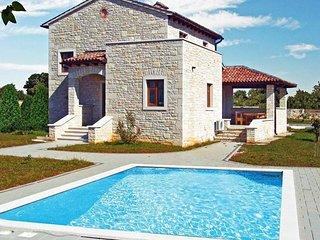 4 bedroom Villa in Kanfanar, Istria, Croatia : ref 2095365 - Kanfanar vacation rentals