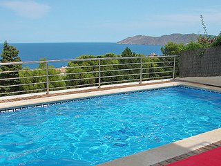 3 bedroom Apartment in Llanca, Costa Brava, Spain : ref 2096996 - Llanca vacation rentals