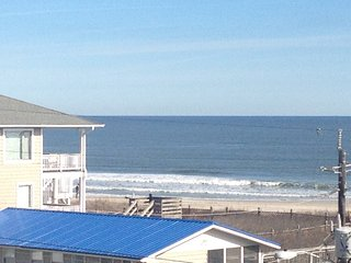 Private condo with amazing ocean and icww views and ocean 50 steps from door - Carolina Beach vacation rentals