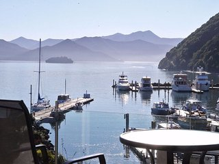 Luxurious Oxley Waterfront 1 Bedroom Apartment - Picton vacation rentals