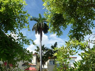 SOUTH BEACH FEELING! SHARED ROOM IN COZY APARTMENT! GREAT LOCATION! - Miami Beach vacation rentals
