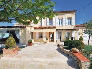 2 bedroom Villa in Draguignan, Var, France : ref 2279225 - Draguignan vacation rentals