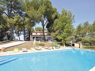5 bedroom Villa in La Tour d Aigues, Vaucluse, France : ref 2279394 - Le Paradou vacation rentals