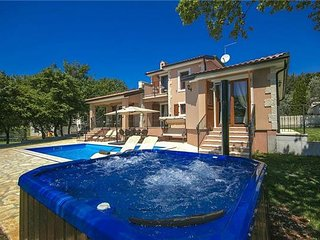 4 bedroom Villa in Fuskulin, Istria, Fuskulin, Croatia : ref 2372799 - Mugeba vacation rentals