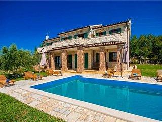 4 bedroom Villa in Strpancici, Istria, Strpacici, Croatia : ref 2374134 - Barat vacation rentals