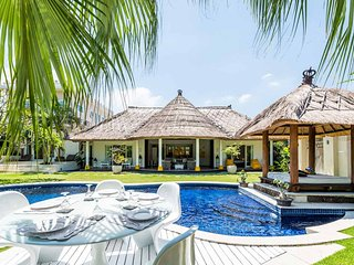 5 bed large traditional Private pool, jacuzzi, ideal for large gatherings - Seminyak vacation rentals