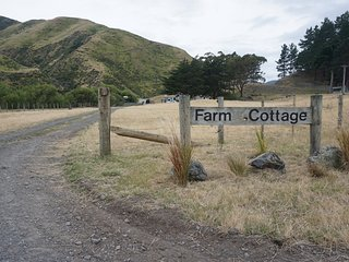 Kawakawa Station Farm Cottage, self-catering - Featherston vacation rentals
