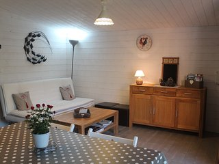 Cozy 2 bedroom Combreux Gite with Hot Tub - Combreux vacation rentals