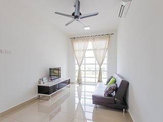 12stay.my Nusa Heights Apartment (3Bedroom) C0703 - Gelang Patah vacation rentals