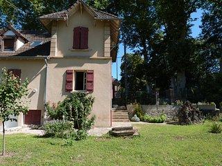 Jolie maison de centre ville entièrement rénovée - Paray Le Monial vacation rentals