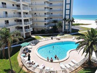 Gulf Side Siesta Key Villa~Sleeps 6, 3 pools, Beachy Chic 100-Jamaica Royale - Siesta Key vacation rentals
